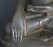 Buddha-hand-close